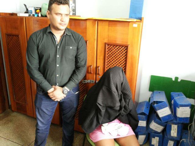 Mulher é presa e traficante morre em troca de tiros com a polícia