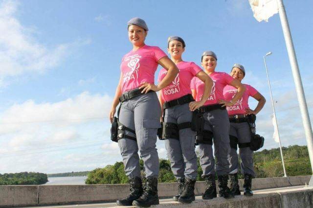 Policiais fazem ensaio fotográfico para estimular a prevenção do câncer