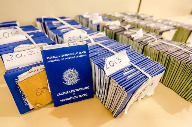 Mais de 560 carteiras de trabalho solicitadas em 14 anos aguardam pelos donos