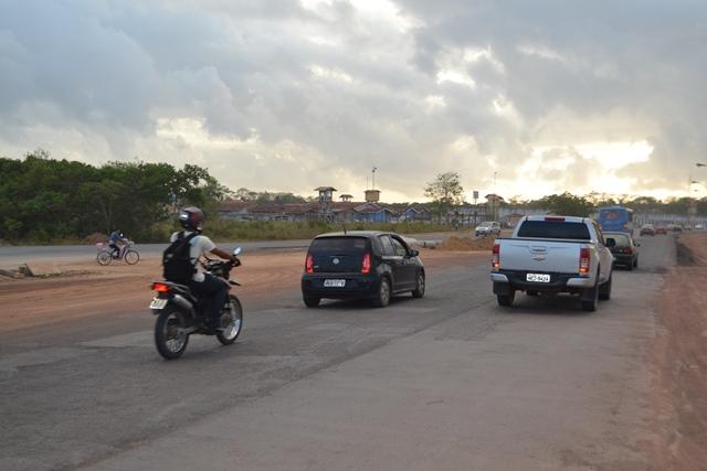 Trânsito começa a fluir na Duca Serra, mas é preciso atenção