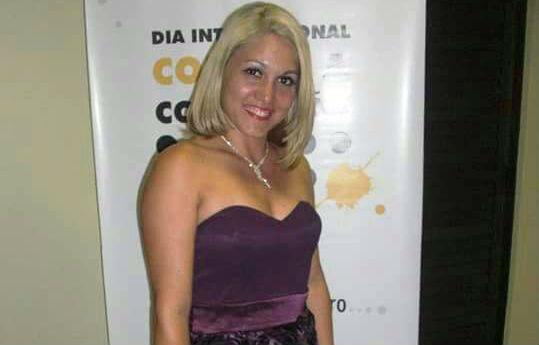 Mulher que descreveu a luta pela vida para doentes com câncer morre em hospital
