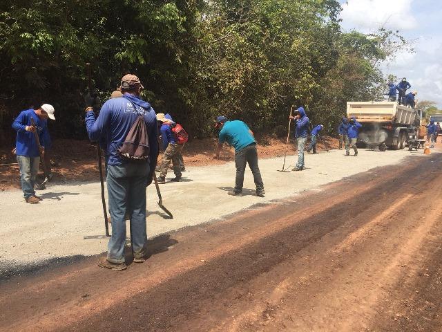 Após polêmica, governo inicia asfaltamento no Goiabal