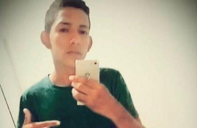 Jovem de 15 anos é executado dormindo, e mãe é informada sobre acerto de contas