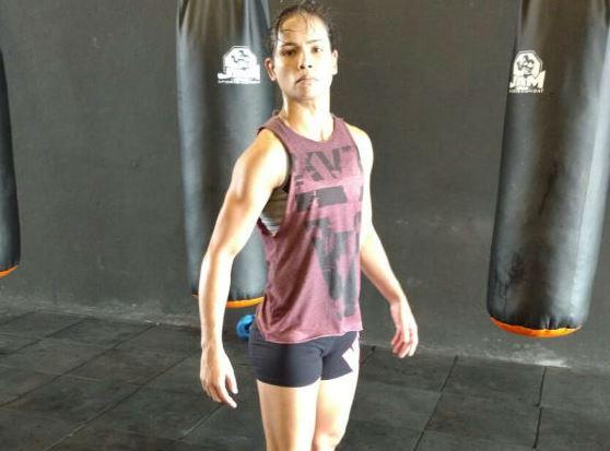 Lutadora de MMA quase perde para a depressão
