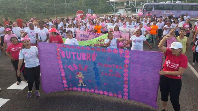 Caminhada Binacional pede prevenção ao câncer de mama