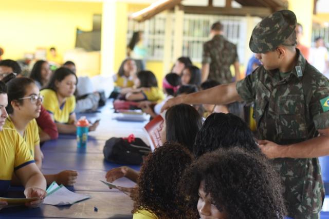 Escolas recebem palestras de prevenção contra o Aedes