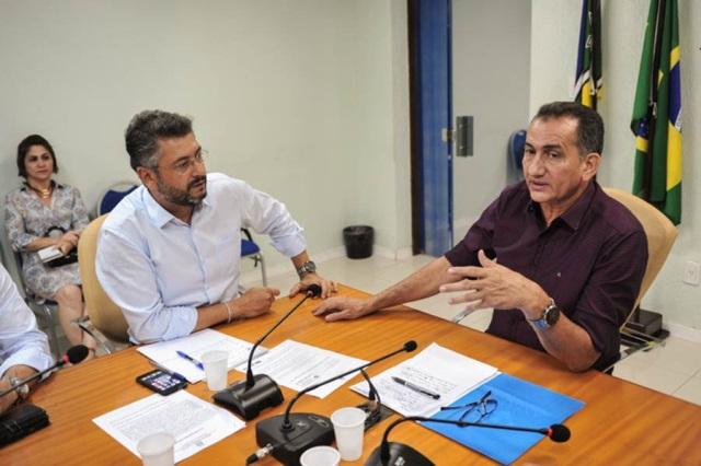 Waldez e Clécio discutem investimentos na capital e criam gabinete de gestão