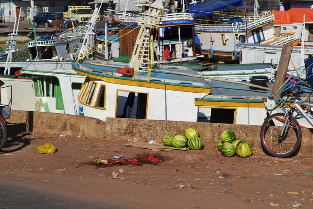 Barqueiros com desembarque na orla de Macapá têm produtos apreendidos