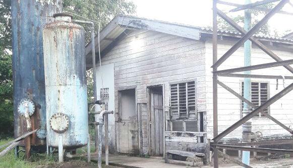 Comunidade do Carnot está sem água há duas semanas