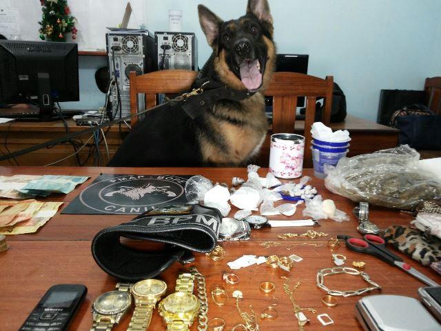 Família inteira é presa por tráfico de drogas