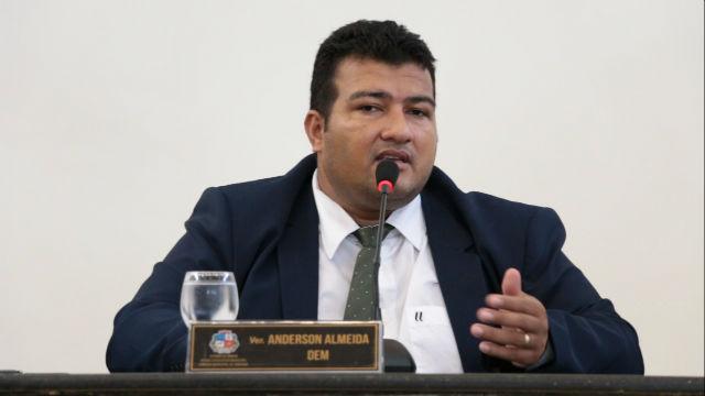 TRE decide cassar vereador que fez obra em véspera de eleição