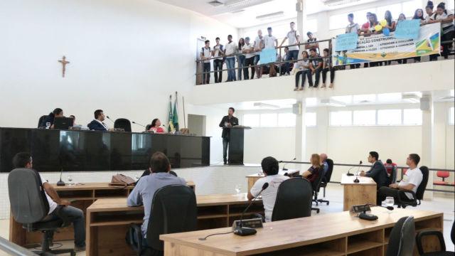 Implantação do ensino integral na rede municipal é discutida em Santana