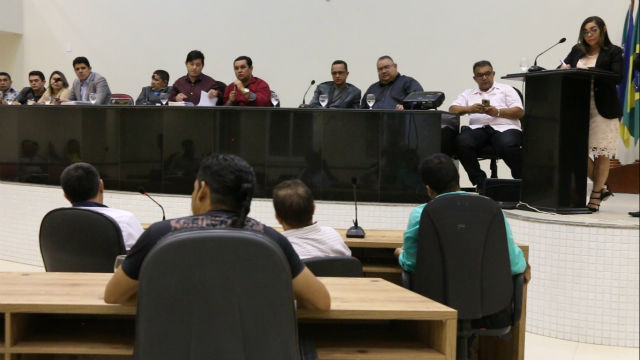 Nove dos quinze vereadores de Santana não vão à discussão do orçamento para 2018