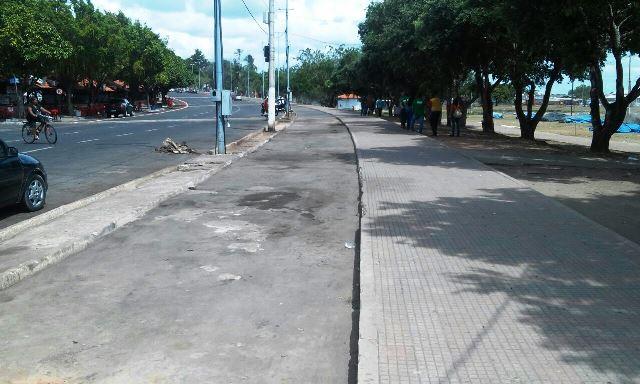 Prefeitura limita número de ambulantes na orla