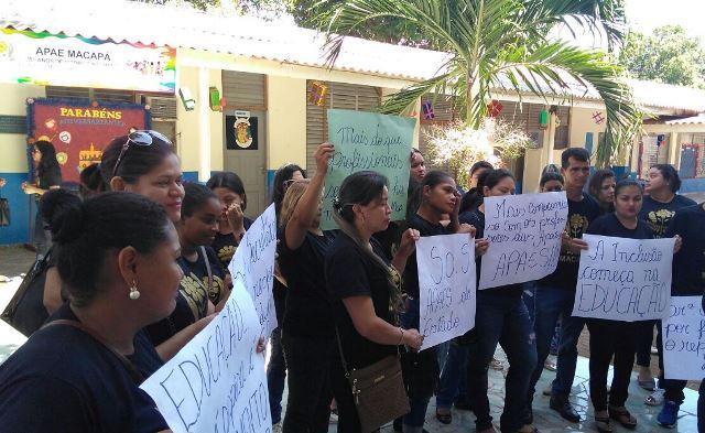 Professores da Apae paralisam em 4 cidades por atraso de salários