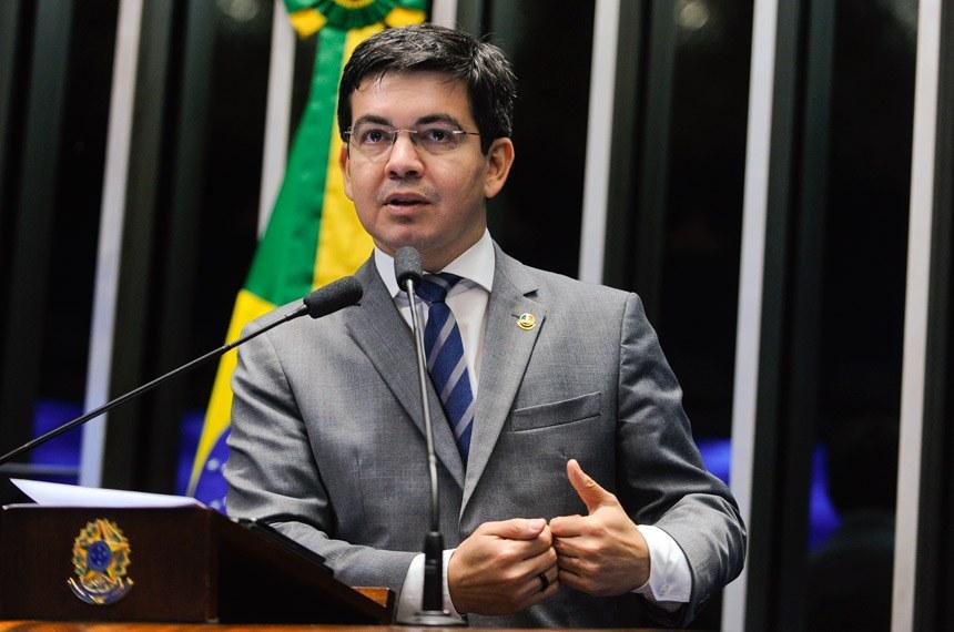 Senador do Amapá relata ameaças de milícias