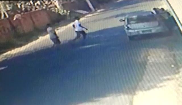 VÍDEO: Assaltantes atacam professoras e criança na zona sul