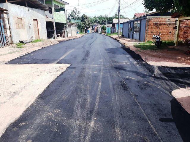 Depois de muita reclamação, avenida é asfaltada no Beirol