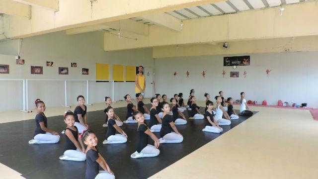 Bailarinos serão certificados internacionalmente durante 'Uma Volta ao Mundo'