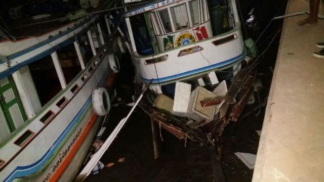 Explosão em barco deixa quatro feridos, entre eles, uma criança