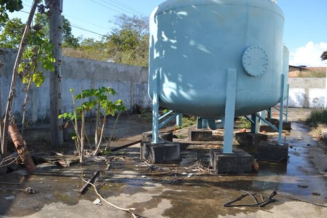 Subestação de água abandonada é usada para consumo de drogas