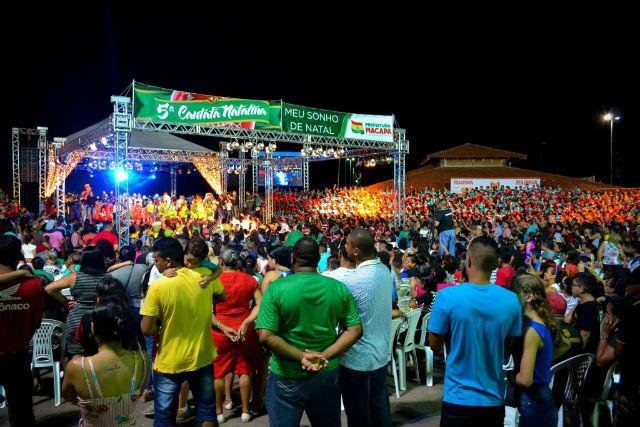 'Meu Sonho de Natal', com crianças da rede municipal, reúne 5 mil pessoas