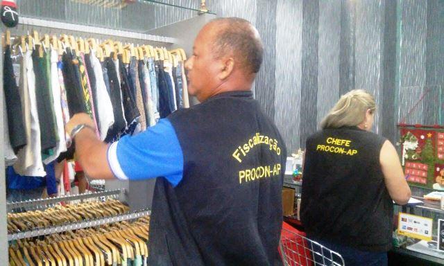 Oito lojas são autuadas em shoppings de Macapá