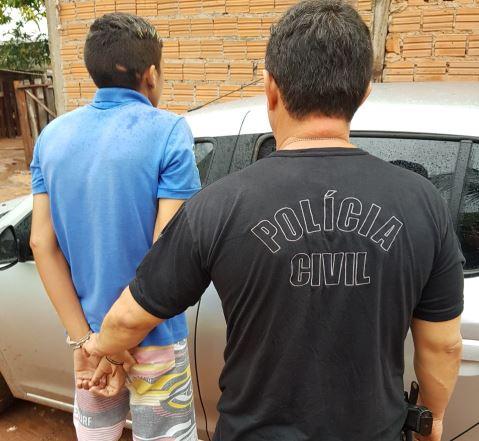 Ex-policial é preso durante cumprimento de mandados
