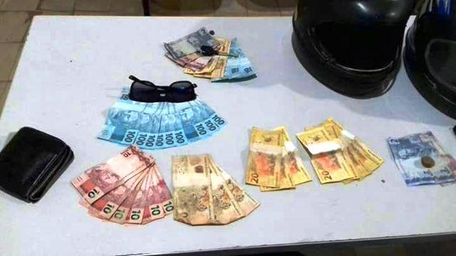No Jari, policiais recuperam dinheiro roubado