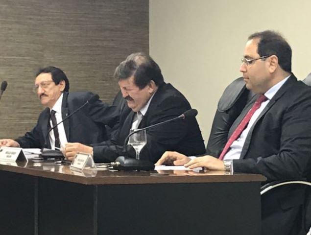 Conselheiros investigados reassumem cargos e ganham relatorias