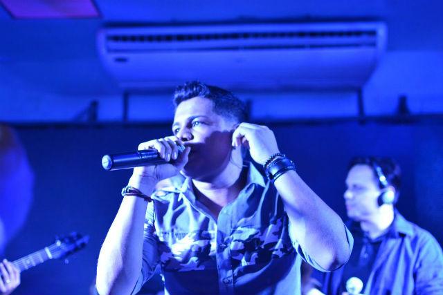 Aos 28 anos, ex-cantor mirim grava seu primeiro DVD