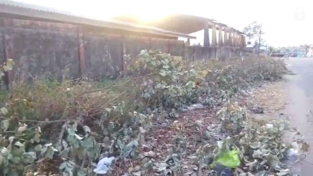 Em vídeo, presidente de associação reclama de lixeira viciada