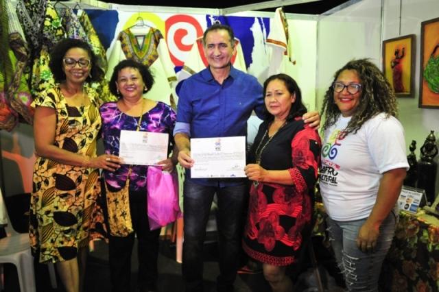 Empreendedores que transformaram talento em negócios recebem certificados