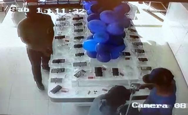 Rede de farmácias sofre 2º assalto em um dia
