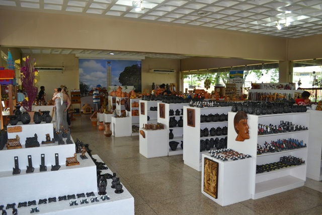 Em endereço provisório, Casa do Artesão tem aumento nas vendas