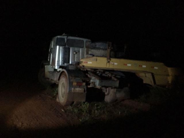 Ao destravar freio, motorista morre atropelado pelo próprio caminhão