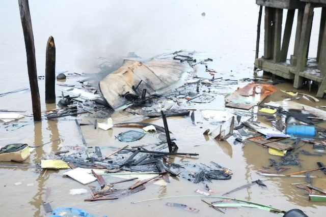 Corpo de vítima de embarcação que explodiu é encontrado