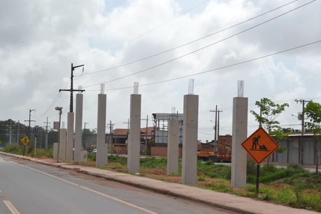 Quatro passarelas vão facilitar travessia no trecho urbano da 210