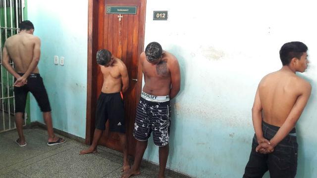 Quatro são presos e um menor apreendido por furto no Macapaba