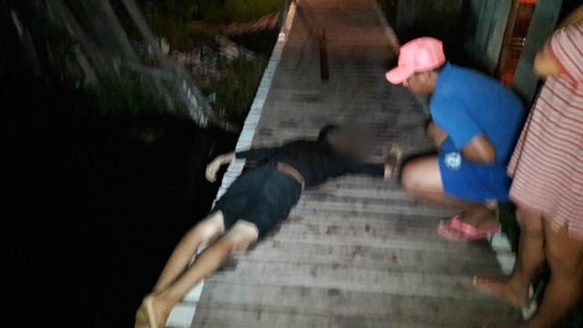 Adolescente é morto em casa e tem corpo atirado em lago