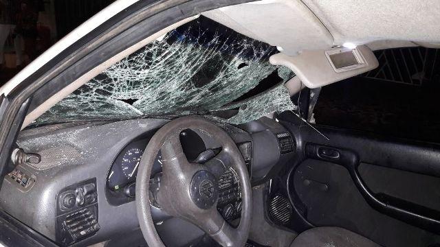 Jovem invade festa com carro e atropela uma pessoa