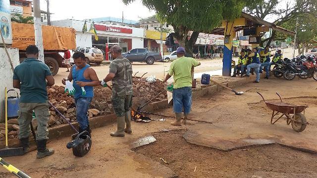 Com trégua da chuva, Oiapoque recupera ruas