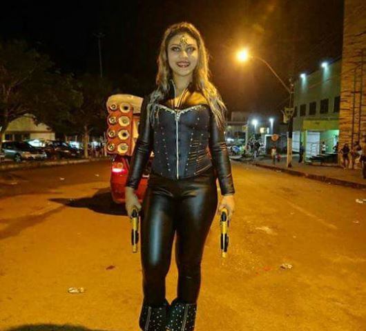 Super-heróis e vampiros marcam Carnaval em Oiapoque