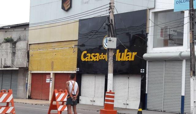Polícia prende dois receptadores de celulares roubados em loja no Centro