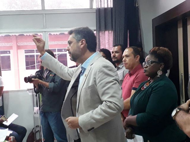 Concursos públicos: Clécio apresenta projeto que prevê 20% de cotas