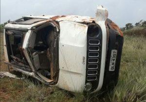 Veículo capota e vítimas são lançadas para fora em acidente da BR-156