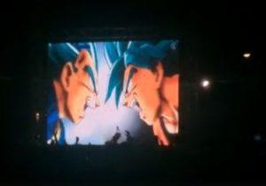 Multidão de jovens ocupa a Floriano para ver último episódio de anime