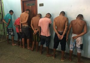 Homem comete furto e é roubado por grupo; todos foram presos