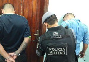Homem com 3 mandados de prisão é capturado ao fugir de barreira
