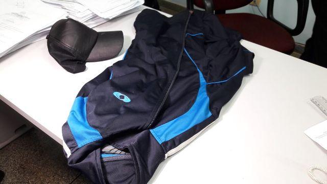 Assaltante é preso depois de postar foto com jaqueta usada no crime